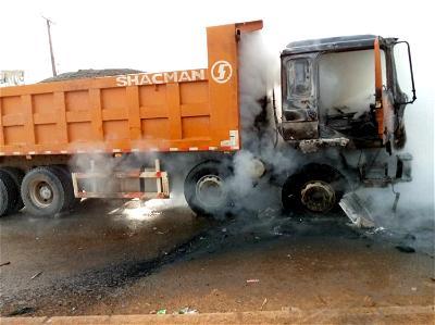Mob sets truck ablaze as it crushes okada rider to death in Ogun
