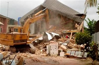 FCTA demolishes 50 illegal shops in Kpadna community