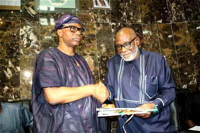 Akeredolu hits ZLP, describes Mimiko as vehicle without engine