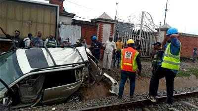 Sanwo-Olu, Amaechi visit train accident scene in Oshodi