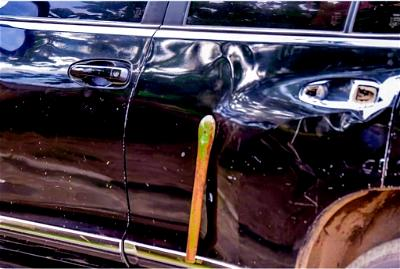 Oyetola's vehicles damaged as governor joins EndSARS protesters in Osogbo