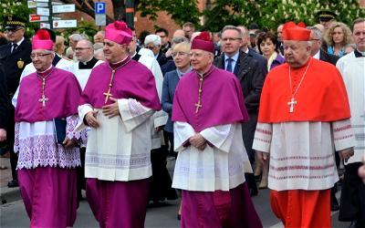 Vatican punishes Polish bishop over sex abuse negligence