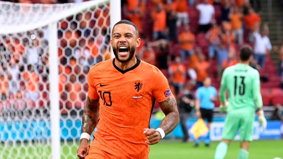 Rampaging Dumfries seals 2-0 win for the Netherlands against Austria