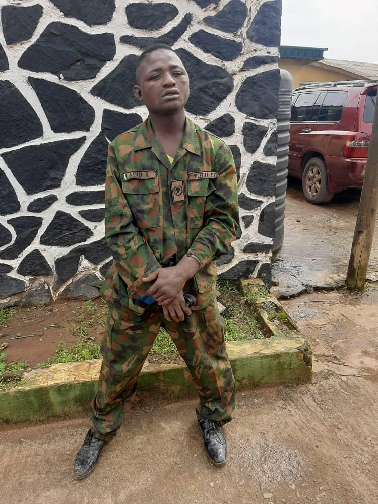 Hoodlum nabbed in Ogun state for impersonating Military personnel