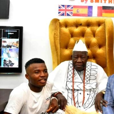 Olubadan unveils tech hub in Ibadan, woos more investors