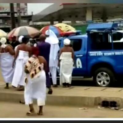 VIDEO: Traditionalists dare police, show solidarity at Yoruba nation rally