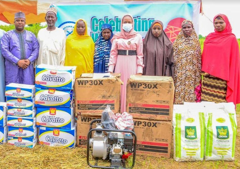 Female wheat farmers get irrigation equipment in Kano