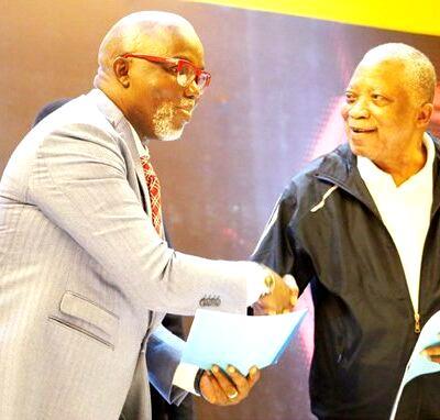 Pinnick praises Adebutu as NFF, Baba Ijebu seal partnership