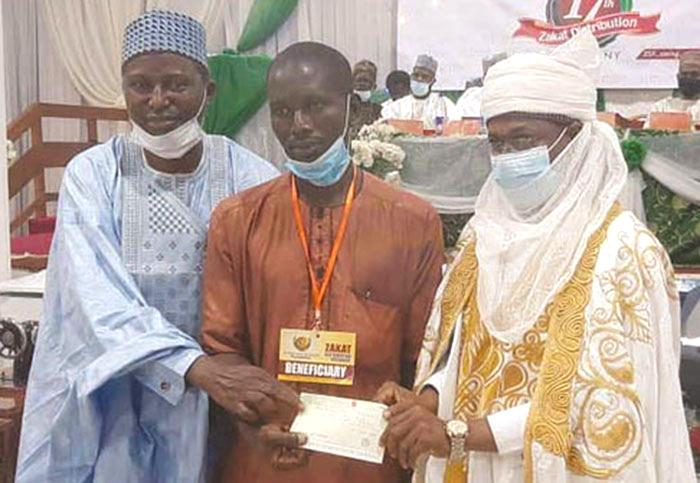 Zakat foundation doles out over N255m to the needy